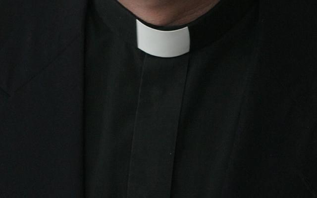 400 tys. zł dla ofiary księdza pedofila. Zapłacić ma Kościół