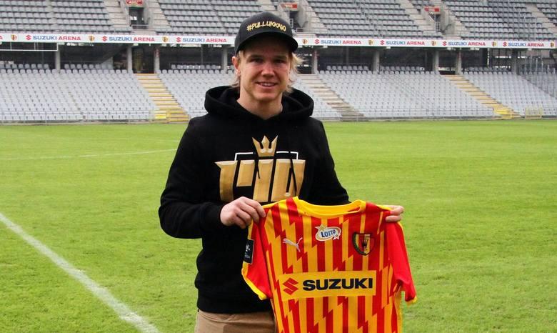 Reprezentant Finlandii Petteri Forsell został piłkarzem Korony Kielce. 29-letni napastnik podpisał półroczną umowę z opcją przedłużenia. W Koronie będzie