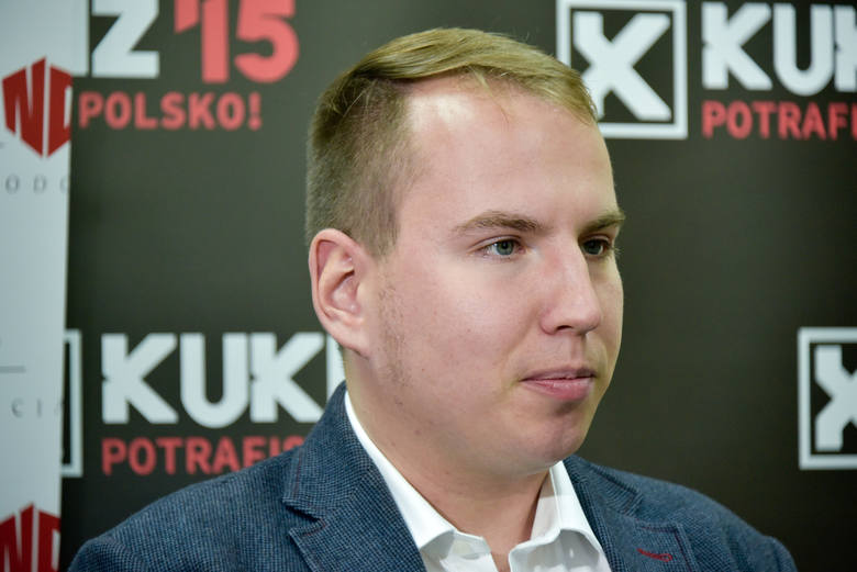 Adam Andruszkiewicz pobrał zwrot pieniędzy za paliwo, chociaż nie ma samochodu ani prawa jazdy