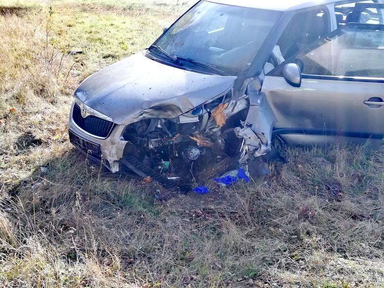 W miejscowości Kliszno, niedaleko Manowa, zderzyły się dwa auta - ciężarowe i osobowe. Policja na miejscu bada okoliczności zdarzenia. Na razie ruch