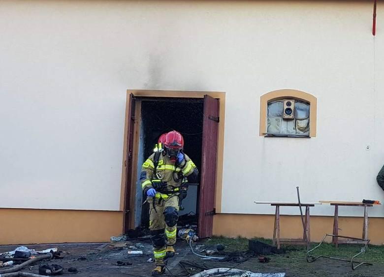 Rozszczelnienie butli z gazem i pożar w Skałągach.