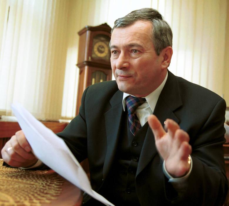 Waldemar Achramowicz (SLD) w latach 1999–2006 marszałek województwa kujawsko-pomorskiego.