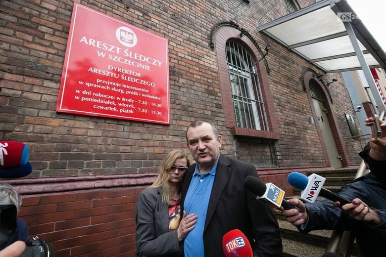 Poradnik ma być fragmentem książki, którą Gawłowski zapowiedział po wyjściu z aresztu (jest podejrzany o korupcję, nie przyznaje się do winy). Gawłowski