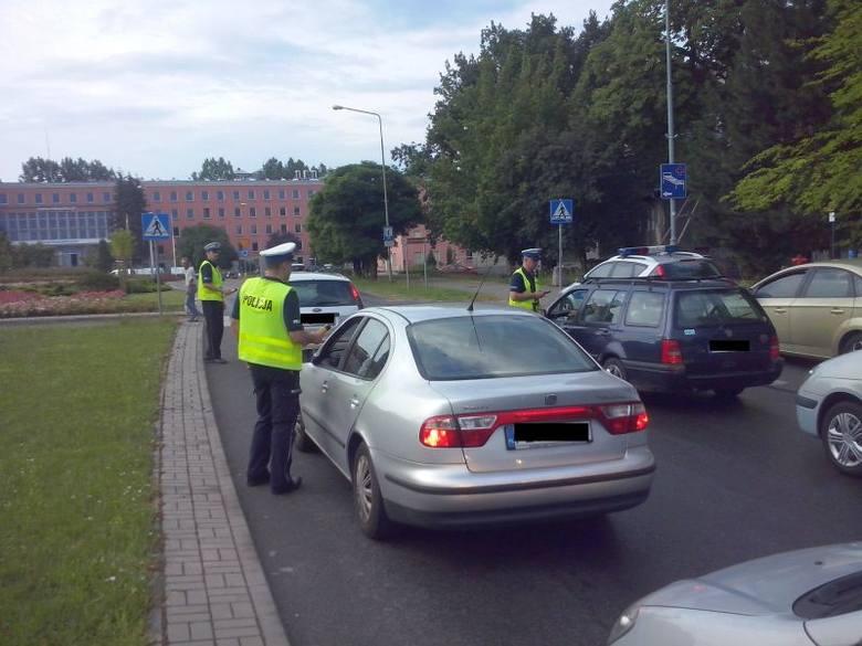 Zielonogórscy policjanci kontrolowali kierowców na rondzie w Zatoniu i na ul. Bankowej.