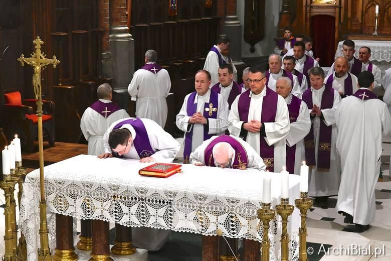 Abp Senior Edward Ozorowski na zakończenie Mszy św. sprawowanej w archikatedrze białostockiej w dzień swoich imienin, dziękował biskupom, kapłanom, siostrom