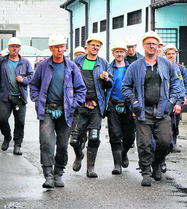 W akcji wzięło udział łącznie około 2 tys. ratowników. Pracowali w pocie czoła po 16 godzin dziennie