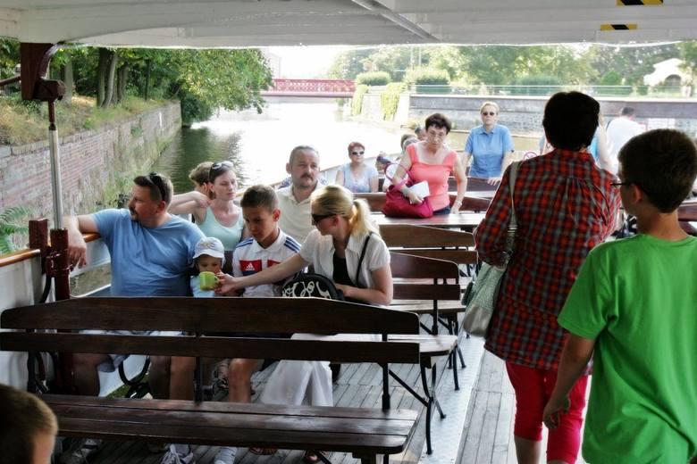 Czytelnicy Gazety Wrocławskiej popłynęli w rejs po Odrze (ZDJĘCIA)