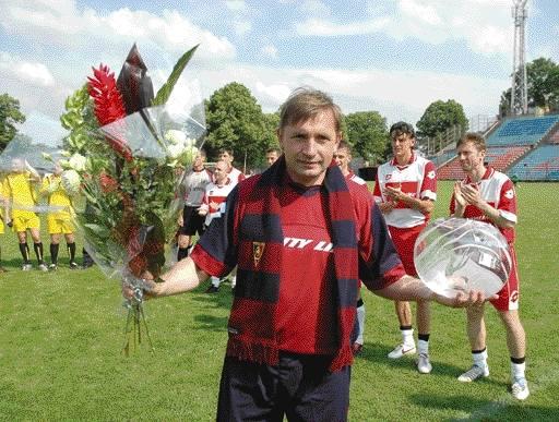 Tak Mariusz Kuras żegnał się ze szczecińską publicznością jako piłkarz. Teraz zapewne równie ciepło zostanie przez nią powitany w roli trenera brazylijskiej