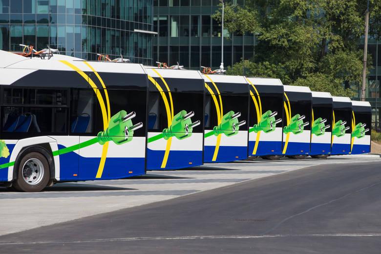 W trudnych czasach przyszłością komunikacji miejskiej mogą się okazać autobusy elektryczne. Kosztują więcej niż autobusy zwykłe, jednak są tańsze w eksploatacji i bardziej ekologiczne