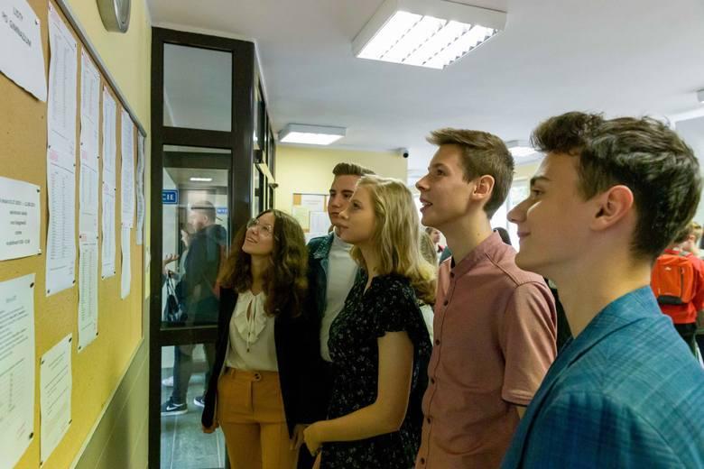 Ministerstwo Edukacji Narodowej opublikowało projekt harmonogramu rekrutacji do szkół średnich. Według kalendarium, absolwenci podstawówek będą musieli