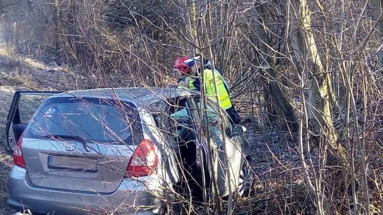 Chełmiec. Wypadek w Naściszowej. Kobieta uwięziona w samochodzie [ZDJĘCIA]