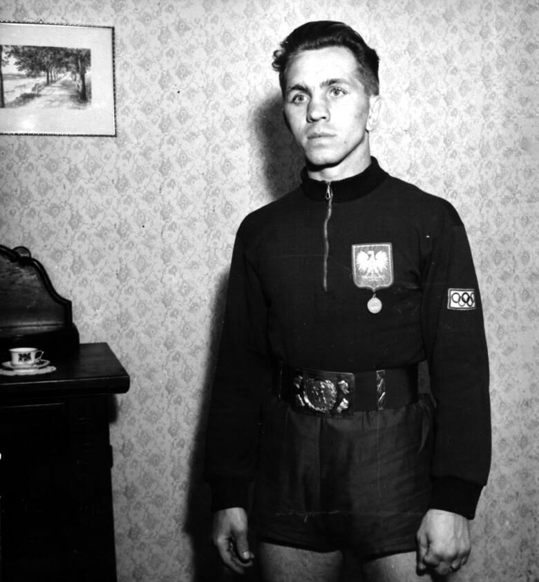 Zygmunt Chychła – bokser. Pierwszy powojenny, polski złoty medalista olimpijski.