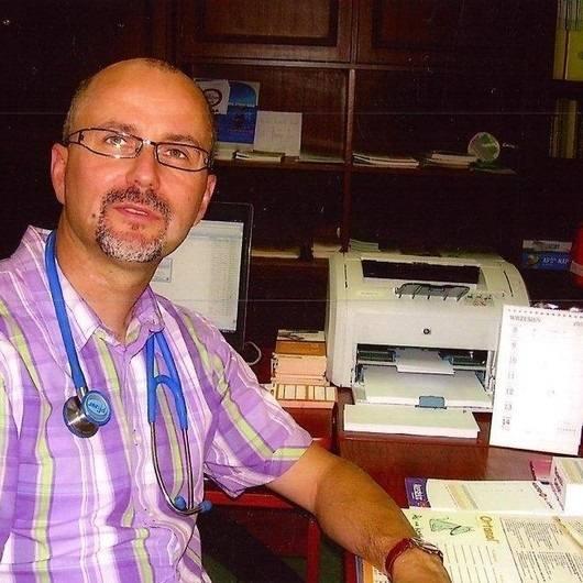 Dr Tadeusz Derezińsi: - Przypomnę czasy, w których apteki sieciowe sprzedawały leki za grosz. Pacjenci brali na potęgę, a potem przynosili do utylizacji