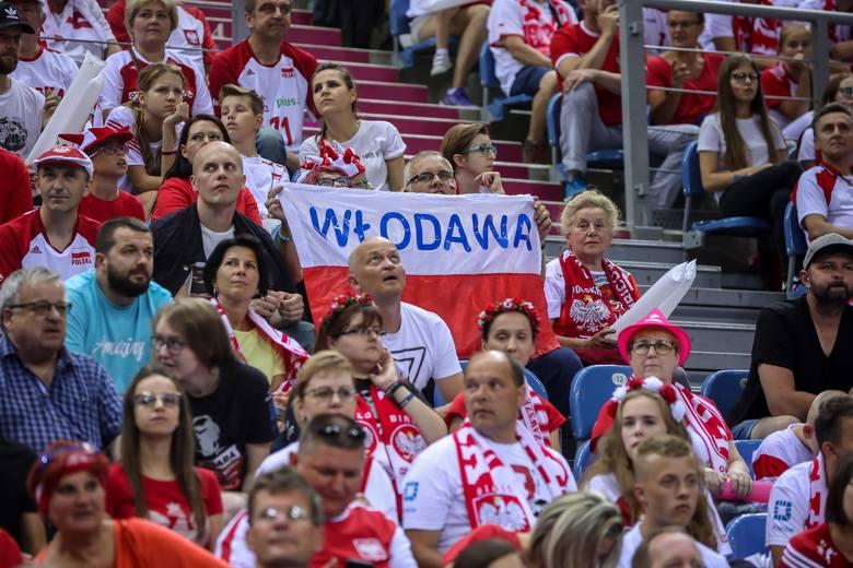 Polska - Serbia, Memoriał Wagnera 2019. Zobacz, jak kibice dopingowali Biało-Czerwonych w Tauron Arenie Kraków ZDJĘCIA Z TRYBUN