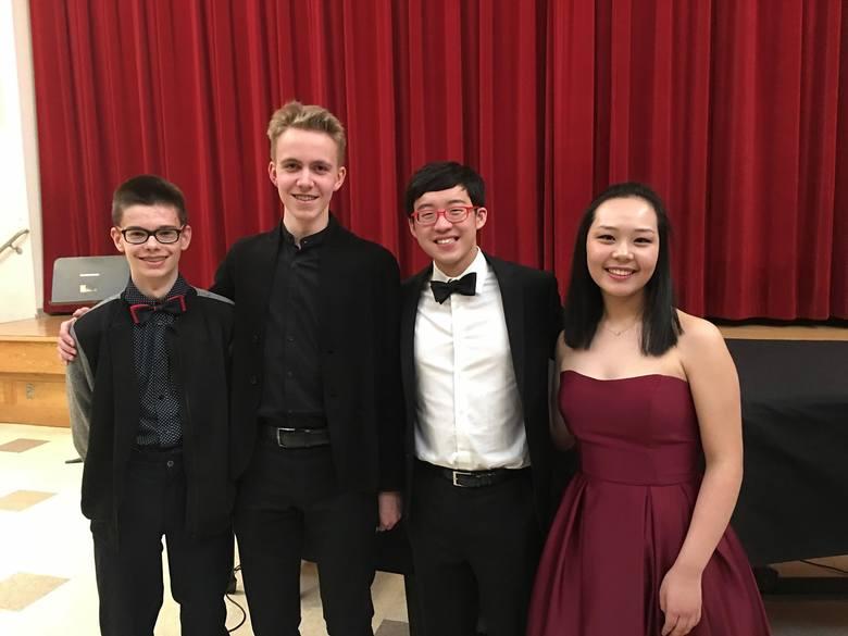 Tegoroczni zwycięzcy, od lewej: Krzysztof Michalski, Michał Balas (obaj wiolonczela), Julian Rhee (skrzypce) i Beatrice Chen ( altówka)