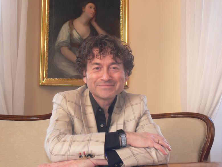 Piotr Rubik znany szerokiej publiczności muzyk, kompozytor, dyrygent, we wtorek, 12 stycznia w muzycznym spacerze oprowadzał po wnętrzach Zamku Królewskiego