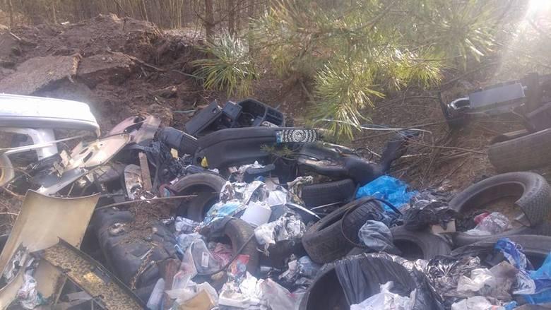 W piątek 34-latek z Michałowa został przesłuchany i przyznał się do porzucenia śmieci - mówi nadkomisarz Tomasz Krupa, rzecznik podlaskiej policji. -