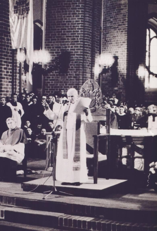 7 godzin i 15 minut Ojca Świętego, najważniejsze w dziejach miasta