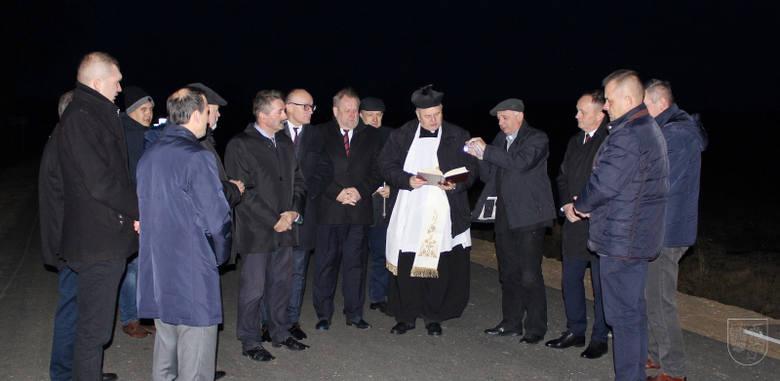 Nowym asfaltem, chodnikami i czterema przebudowanymi skrzyżowaniami mogą cieszyć się mieszkańcy gminy Grodzisk (pow. siemiatycki).