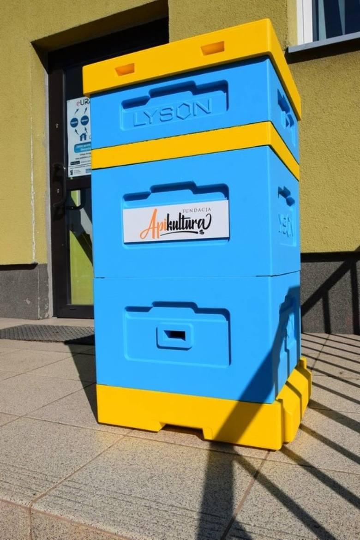 """""""Chronimy pszczoły - ratujemy środowisko"""". Pokazowy ul już w Poddębicach (ZDJĘCIA)"""