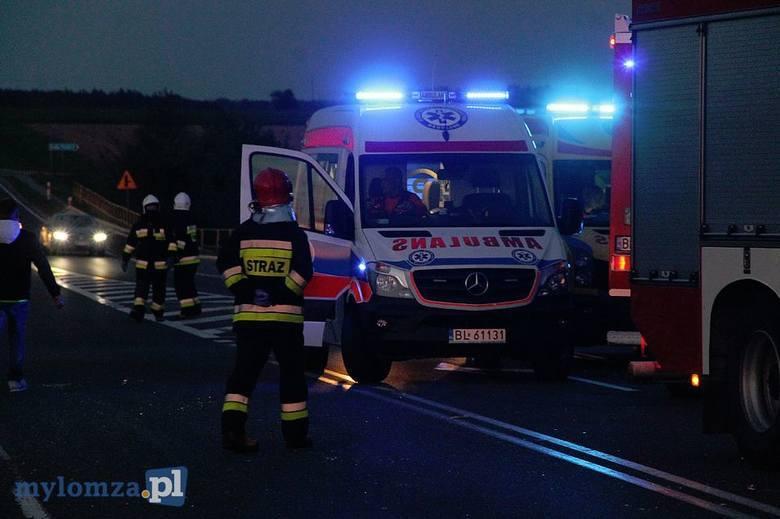Do tragicznego wypadku doszło przed godziną 20.00 w Miastkowie w powiecie łomżyńskim. Zdjęcia z wypadku otrzymaliśmy dzięki uprzejmości portalu mylo