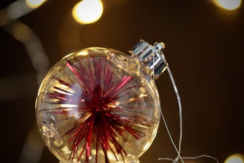 Piękne święta to nie tylko żywa i dorodna choinka... to także ozdoby na niej. Własnoręcznie zrobione bombki to duża satysfakcja i przede wszystkim ekscytujące