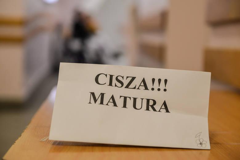 """Matura 2021. 4 maja język polski rozpoczyna egzaminacyjny maraton. """"Nastroje raczej pozytywne"""""""