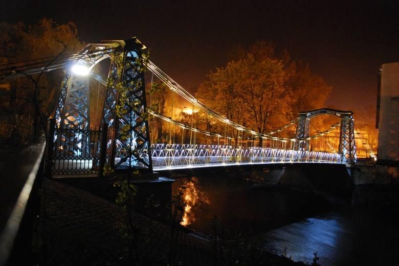 Przeprawa w Ozimku to najstarszy żeliwny most wiszący na kontynencie europejskim.