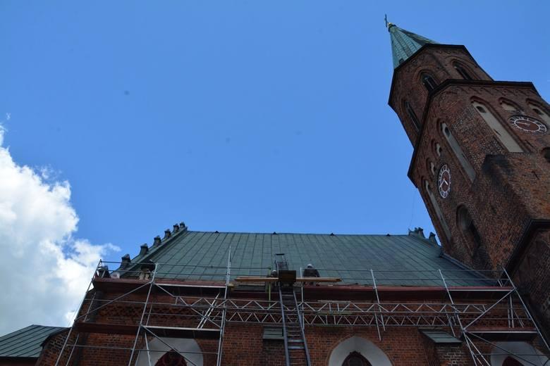 Remont dachu kościoła pod wezwaniem Podwyższenia Krzyża Świętego w Sulechowie