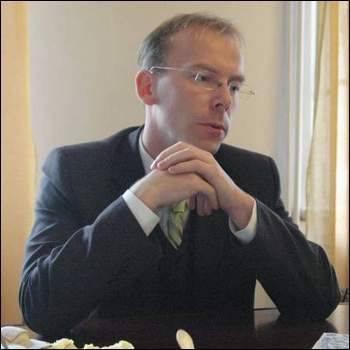 Poprzedni zarząd województwa dał Barczakowi stanowisko tuż przed swoim odwołaniem i to bez żadnego konkursu.