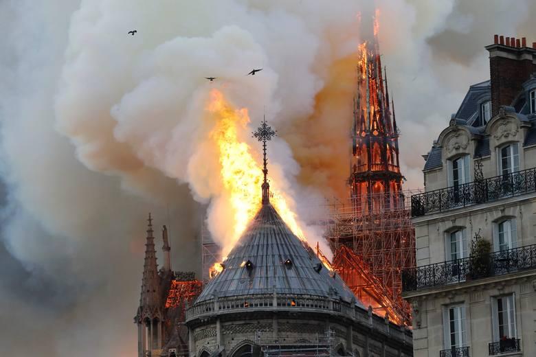 W poniedziałek w Paryżu spłonęła Katedrę Notre-Dame. Jeden z najbardziej charakterystycznych zabytków stolicy Francji został ukończony niemal 700 lat