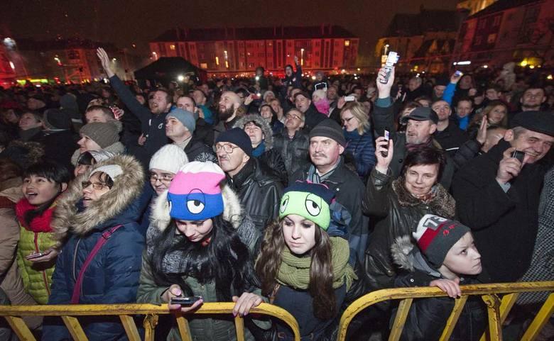 Koszalinianie powitali Nowy Rok z Kasią Kowalską [zdjęcia]