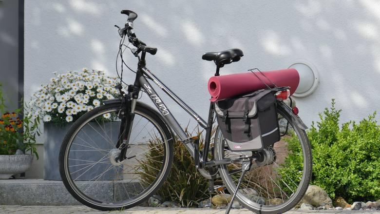 Jeśli potrzebujemy roweru na przejażdżki lub dojazdu do pracy i dodatkowo chcemy zabrać ze sobą jakiś bagaż, to rower trekkingowy na pewno zda egzam