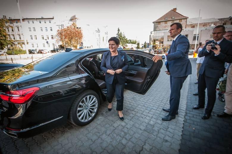 """Wicepremier Beata Szydło podczas wizyty w Koszalinie zachęcała do poparcia """"dobrej zmiany"""" także w samorządach. Wicepremier poparła także kandydata na"""