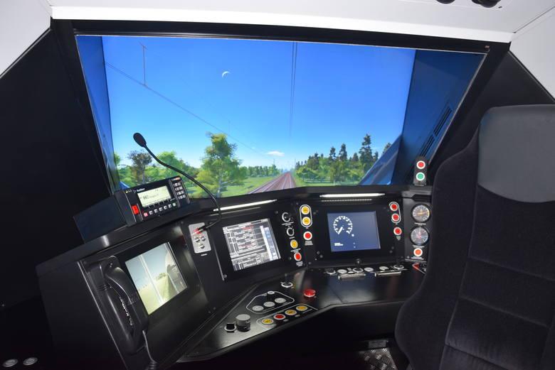 Koleje Śląskie mają swój symulator maszynisty. Zobacz kolejne zdjęcia. Przesuwaj zdjęcia w prawo - naciśnij strzałkę lub przycisk NASTĘPNE