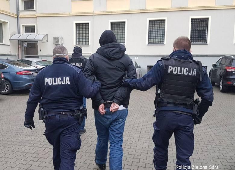 Sulechów: trzech mężczyzn w bloku prowadziło nielegalną uprawę konopi