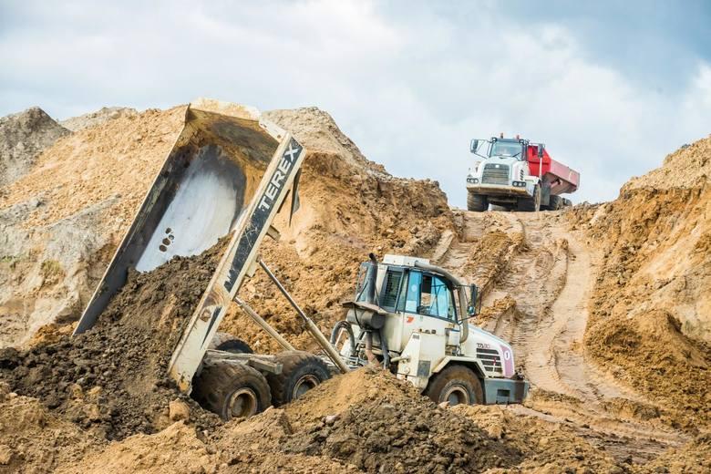 Po przekazaniu placu budowy nowemu wykonawcy wznowione zostały prace na drodze ekspresowej S5 pomiędzy węzłem Bydgoszcz Błonie (Białe Błota) a Szubinem