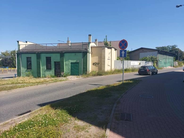 W weekend planowana jest rozbiórka kilku budynków (na zdjęciu) przy rondzie Toruńskim - informuje ZDMiKP w Bydgoszczy. Więcej informacji i zdjęć &am