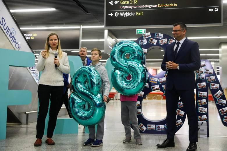 Ośmiomilionowego pasażera, Stasia z Miami, Kraków Airport obsłużył 14 grudnia 2019 r. Do końca roku przybyło jeszcze ponad 400 tys. odprawionych.