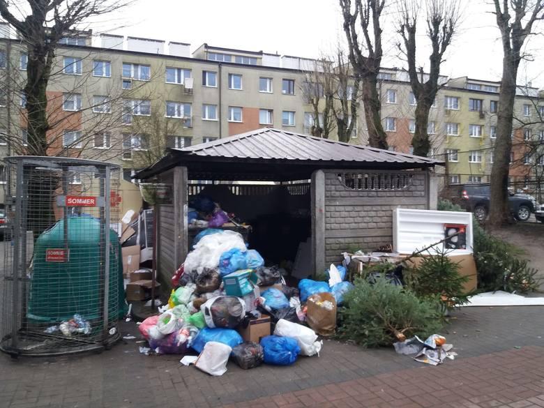 Tak wyglądają śmietniki w Słupsku. Mieszkańcy zbulwersowani (zdjęcia)