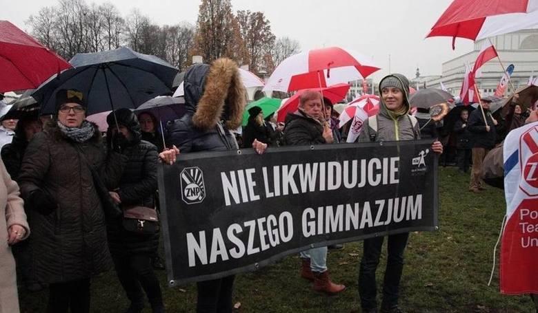 Protesty nauczycieli w Warszawie nic nie dały
