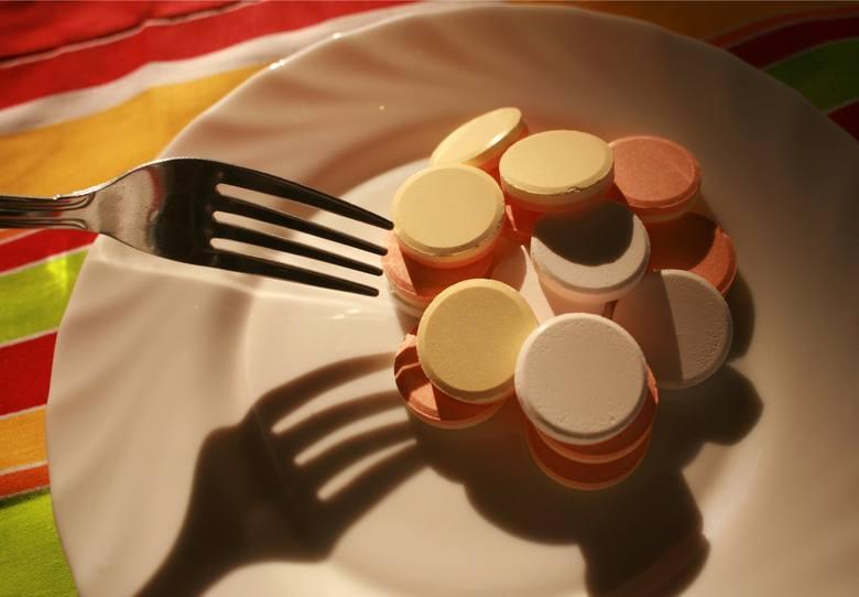z lekami przeciwzakrzepowymi