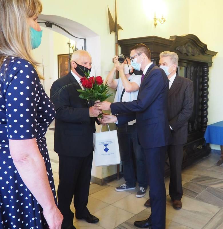 Uroczystość uhonorowania Zdzisława Szukiełowicza Medalem Gloria Artis, 10 czerwca 2020 r.