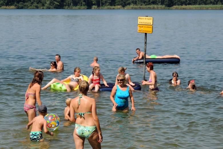 Sprawdzamy, czego mogą spodziewać się turyści, którzy wybiorą się na weekend nad Jezioro Chełmżyńskie