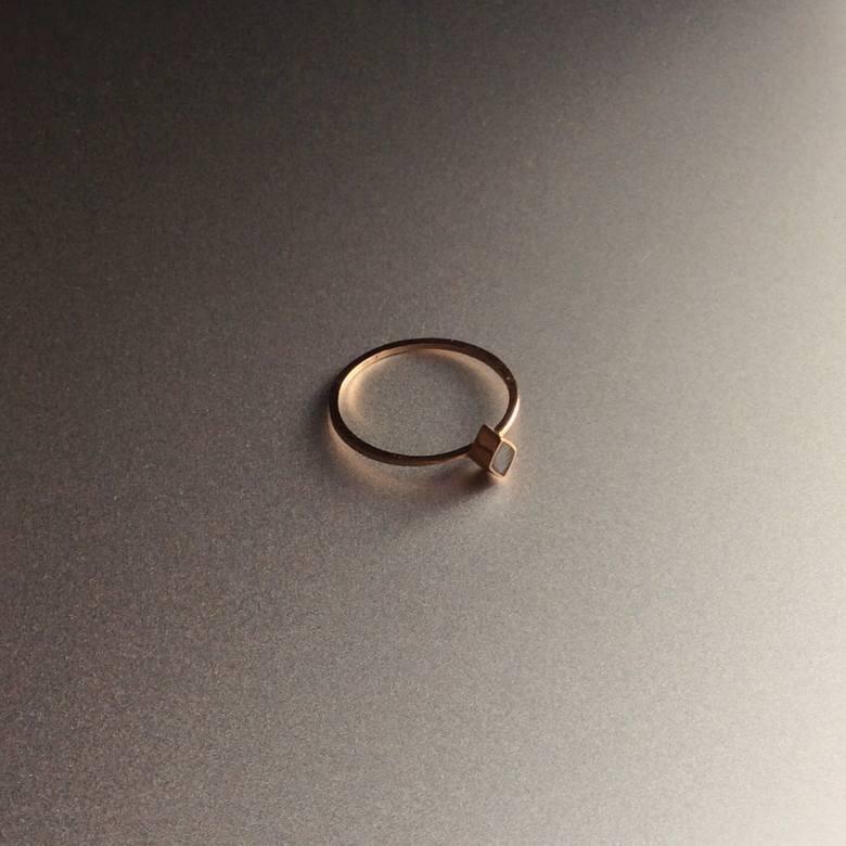 Biżuteria z meteorytem z Moraska