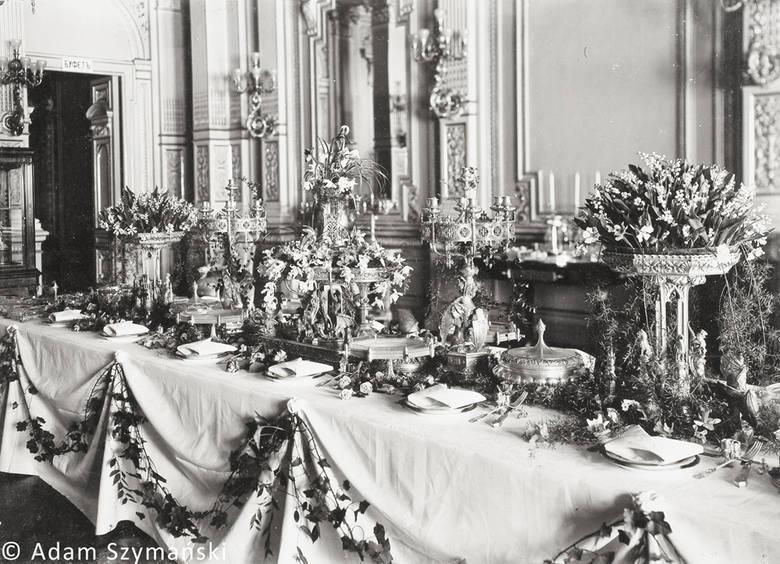 Odkryte przez dra Adama Szymańskiego noże to jedyne zachowane do dziś elementy neogotyckiego skarbu Fabergé.  W 1902 roku zastawa stołowa Kelchów została pokazana na głośnej wystawie dzieł Fabergé w pałacu barona Pawła von Dervisa.