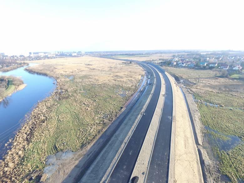W naszym regionie trwa realizacja drogi ekspresowej S6. Zobaczcie zdjęcia z prac na odcinku Kołobrzeg Zachód - Ustronie Morskie.Zdjęcia z prac na odcinku