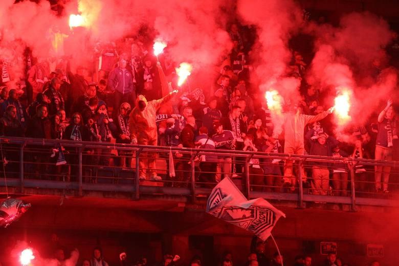 """Członkowie gangu, jak wynika z naszych informacji, pojawiali się na meczach poznańskiego Lecha. Zasiadali w """"kotle"""", sektorze dla kibiców najaktywniejszych"""