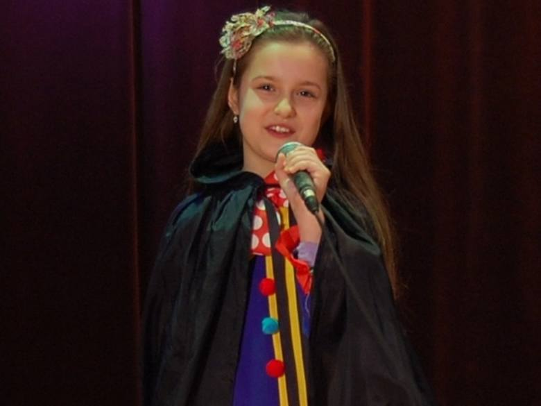 """Julia Zielińska, ośmioletnia utalentowana jaślanka zaśpiewa w finale  """"Wygraj sukces"""""""