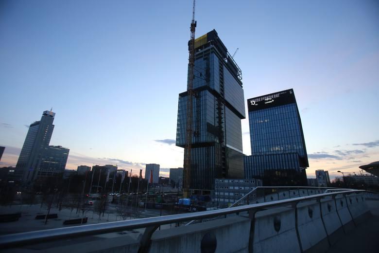 Biurowce .KTW w Katowicach. Finiszuje montaż elewacji na wieży .KTW IIZobacz kolejne zdjęcia. Przesuwaj zdjęcia w prawo - naciśnij strzałkę lub przycisk